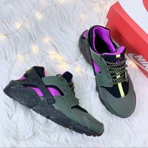 competitive price 3e0b5 76f27 New Nike Huarache Run BG SU NWT